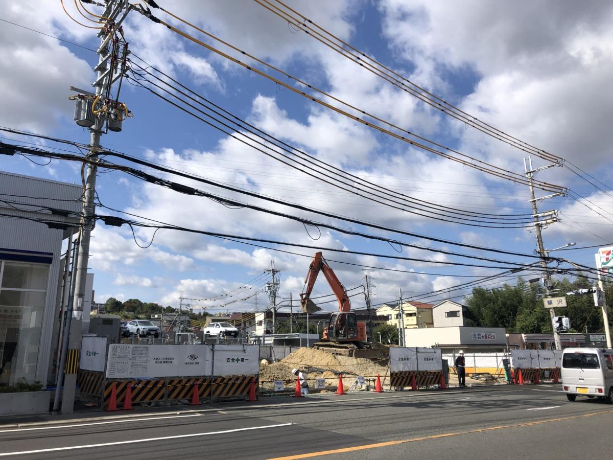 【年内完成か??】大阪狭山市・310号線沿いの『大阪スバル狭山店』の建て替え工事が終盤に!!: