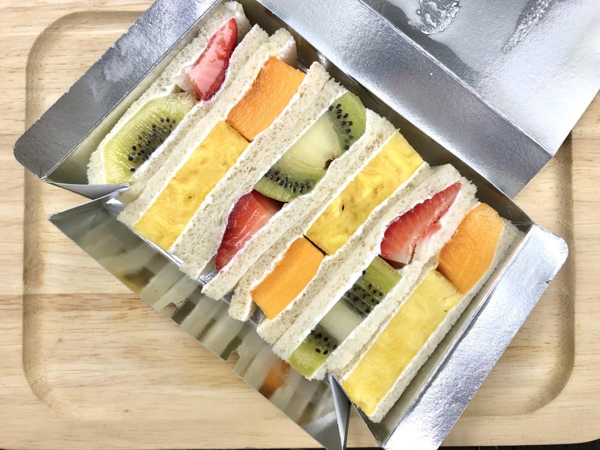 手土産に、きっと喜ばれる♪創業1950年の果物屋さん『ツルザワ』の絶品フルーツサンド♡【堺・南河内のおすすめ手土産特集】: